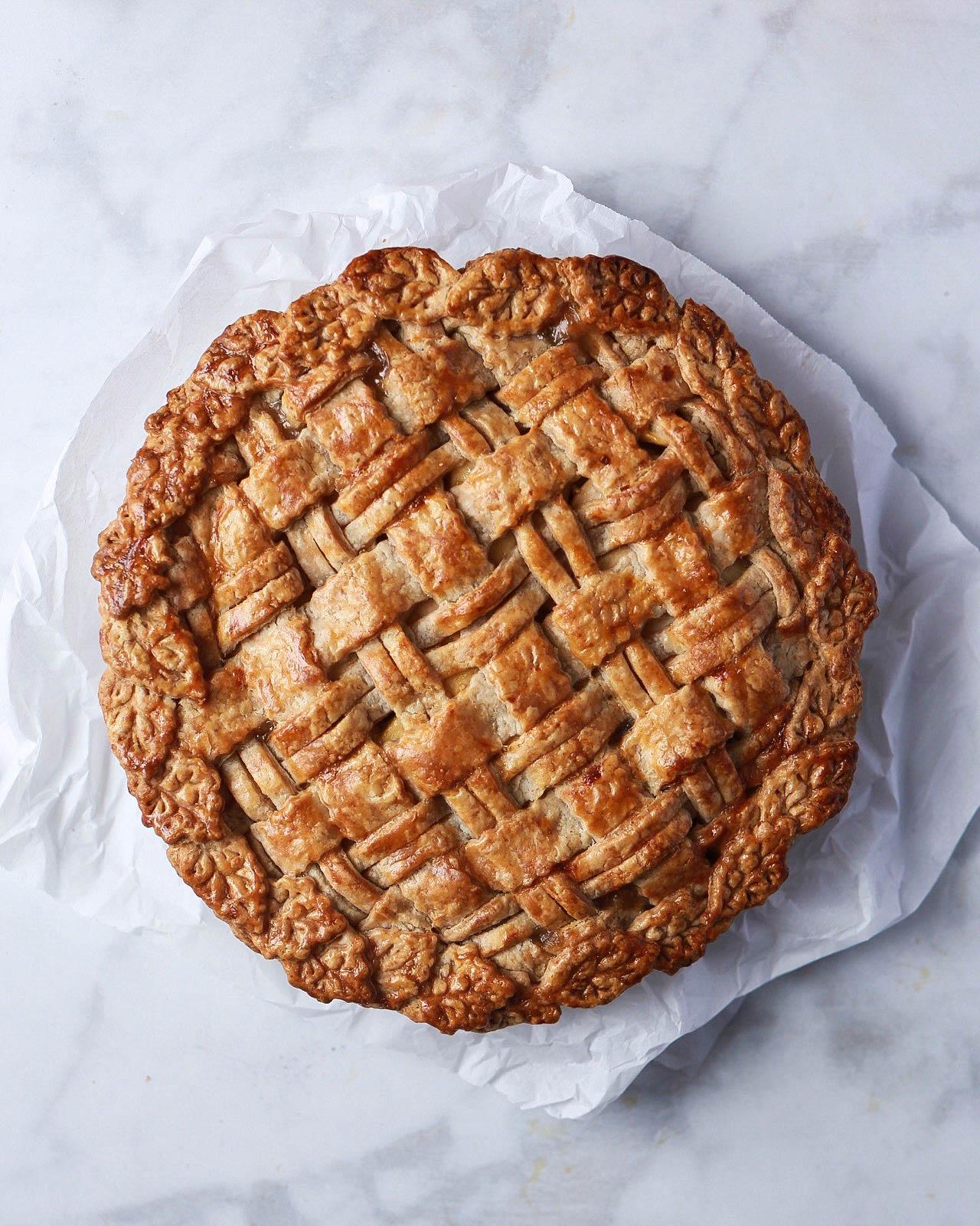Whiskey-Ginger Apple Pie